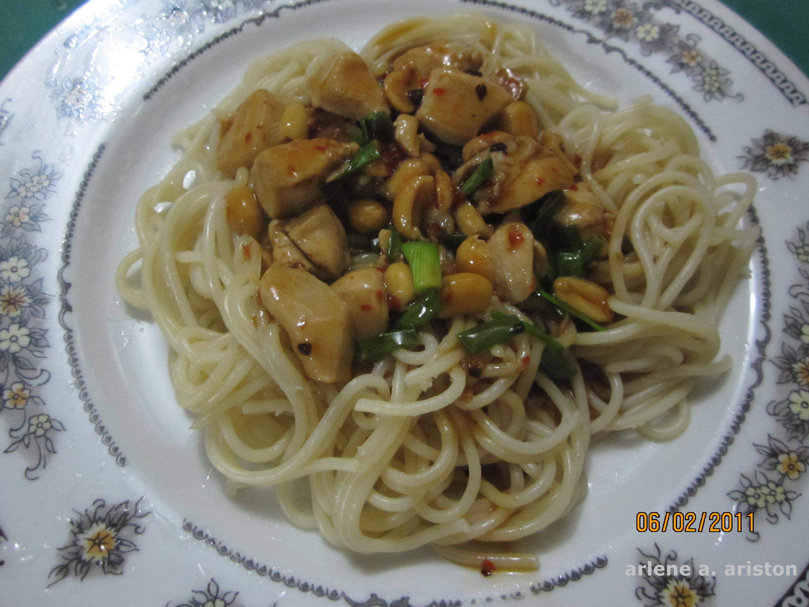 Its kung pao chicken pasta for dinner dreams and escapes i love chinese cooking lots of our filipino food were somehow adopted from chinese recipes ingredients are easy to find so its quite fun to experiment in forumfinder Images